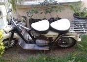 Vendo hermosa moto con doble asiento.
