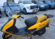 Vendo linda moto año 2012