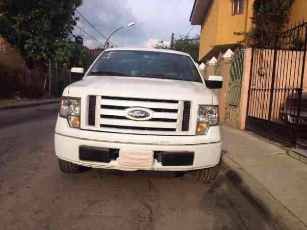 Vendo camiometa ford f150 mod.2010