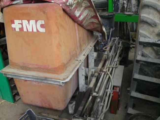 Vendo aspersora fumigadora 800 lts marca fmc alta presión