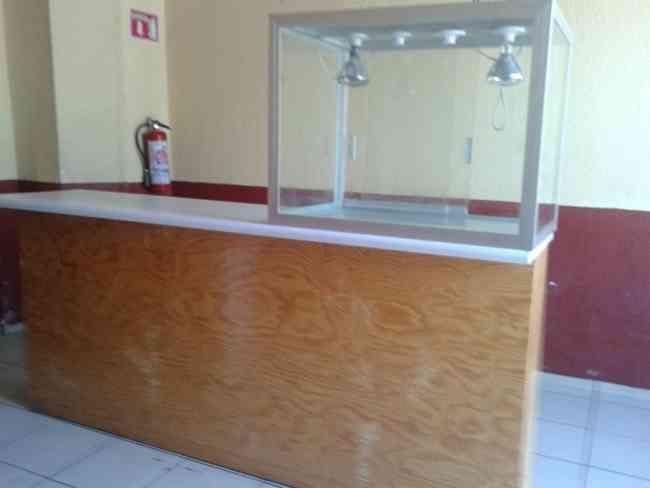 Vendo mostrador de madera para negocio francisco le n for Vendo bar de madera
