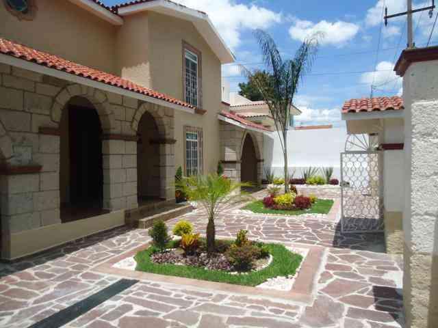 Se vende casa en venta irapuato gto 680m2 irapuato for Villas irapuato