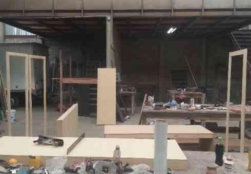 Vendo Bodega industrial con oficinas