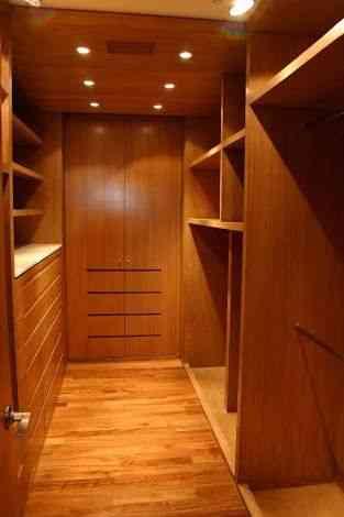 Fotos de cocinas y closets poniente de monterrey cumbres for Closet de madera monterrey