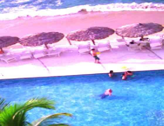 Departamento Vacacional en Acapulco a la Orilla del Mar CON PLAYA Sobre Playa Condesa