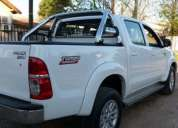 Camioneta toyota hilux srv 4x4 modelo 2013