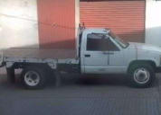 camioneta de 3 y 1/2 ton, plataforma fija de 3x2.3  modelo 93