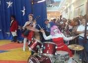 Payasos y payasitas en banda musical