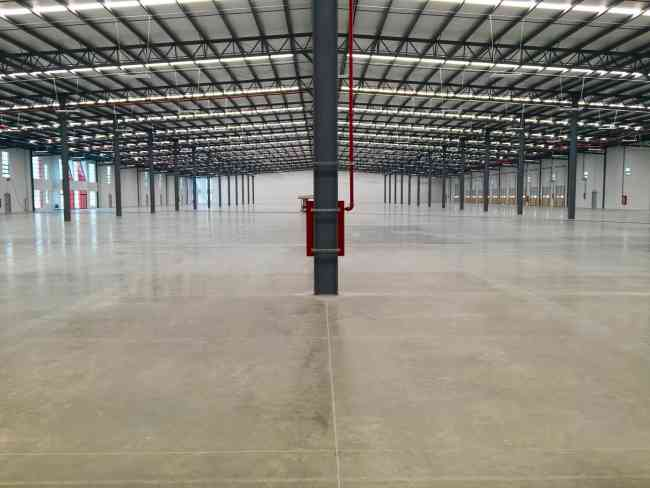 NAVE INDUSTRIAL SUP. 11,519.98 Ó 124,000 SQ FT (DIVISIBLE)