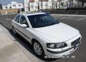 Volvo s60, modelo 2004, 4 cilindros, en muy buen estado.