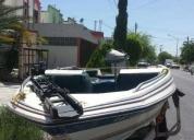Lancha tipo bassboat