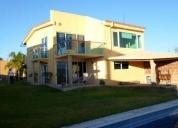 Excelente casa con jardin, alberca