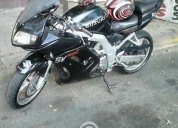 Excelente moto tipo pista  2003