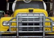 Excelente camión con pipa dina -81