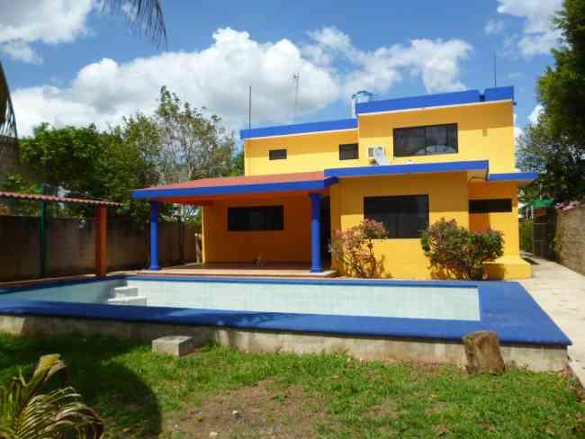 Cholul Zona Norte Casa amueblada de 3 habitaciones en renta cerca de Altabrisa, City Center.
