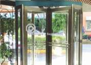 Puertas giratoria      de cristal