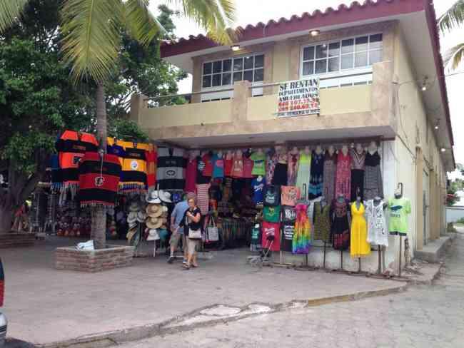 Local comercial muy bien ubicado en la zona Dorada