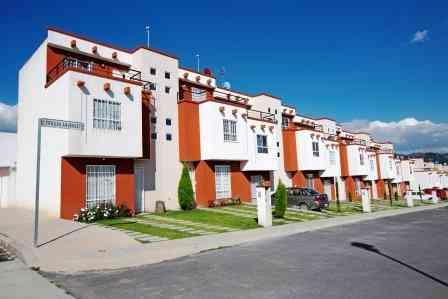 Casa Oyamel Plus de tres recámaras de Villas del Bosque.