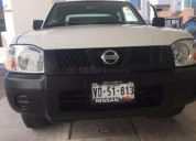 Nissan np300 doble cabina 2013 71777 kms