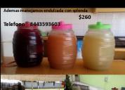 Vitroleros de agua de fruta natural