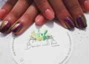 Aplicación y diseño de uñas acrilicas y esmaltado en gel