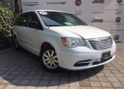 Chrysler town & country 2015 28311 kms