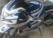 Vendo o cambio  excelente suzuki 600cc -2001