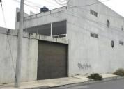 Edificio en esquina, tres plantas para oficina... contactarse.