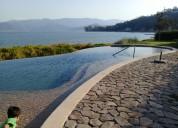 Renta de gran casa nueva en valle de bravo con acceso al lago