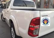Toyota hilux srv 4x4 año 2014 l
