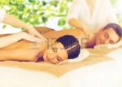 Soy extranjera blanca y huera con las mejores manos para tus masajes en adara spa