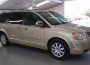 Chrysler town & country 2010 121100 kms
