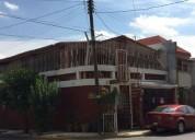 Casa de 2 plantas en esquina muy cerca del parque 3 dormitorios 136 m2