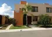 Rento hermosa casa estudio, 3 recámaras, alberca, puerta real 3 dormitorios 187 m2