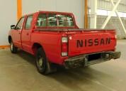Nissan np300 gasolina 4x2 modelo 2011