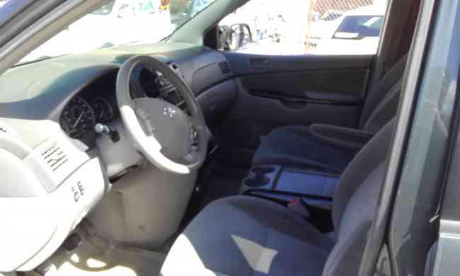 Toyota Sienna SE 2004