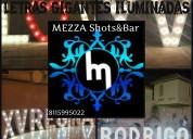 Letras gigantes iluminadas by mezza shots bar