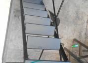 Escalera interna con barandal para andamio