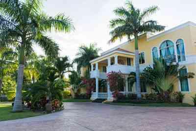En venta hermosa mansion de lujo en merida