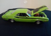 Greenlight dodge challenger r/t 1971 escala 1:18