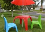 Set de jardin: sombrilla, mesa y sillas infantiles