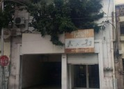 Edificio de tres pisos