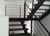 Portones, escaleras y puertas minimalistas de herr