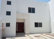 Hermosa casa sola en las trojes dos plantas 3 dormitorios 200 m2