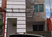 Nueva tres niveles casa 3 dormitorios 225 m² m2, contactarse.