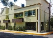 Venta de casa residencial de 3 niveles en colo 4 dormitorios 450 m² m2