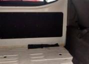 Nissan urvan pasajeros y panel con ventanas diesel