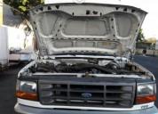 Ford 350 blanca gasolina