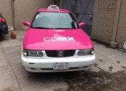 Nissan taxi con placas gasolina