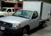 Nissan np 300 estaquitas con caja seca gasolina